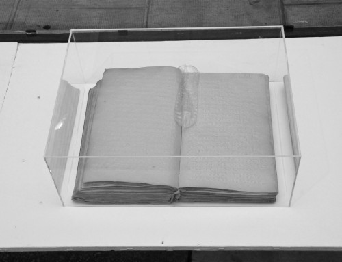 LIEBE MACHT BLIND / livre braille, préservatif
